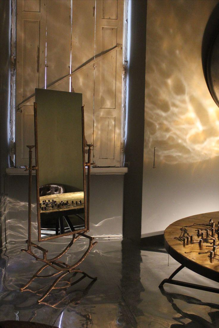 "Simone Ricart, ""La Victoria"" mirror, 2008, Italy #erastudio #erastudioapartmentgallery #designgallery #mirror #apartmentgallery #gallery#simonericart #italiandesign #bronze #goldenfinishing #design #interiorstyling #interiors #shearlin #artdesign #art #arte #artcollector #collectibledesign #artadvisor #artdealer #breradesigndistrict #milan #italy"