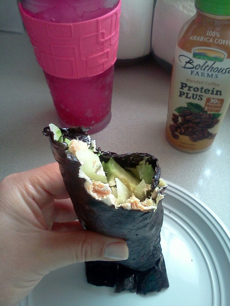 Use nori (sushi seaweed) to Make a wrap, you can have two wraps because each piece of nori is only 7 calories. fill it with salmon cream cheese avocado cucumbers and you have yourself a low calorie delicious lunch!