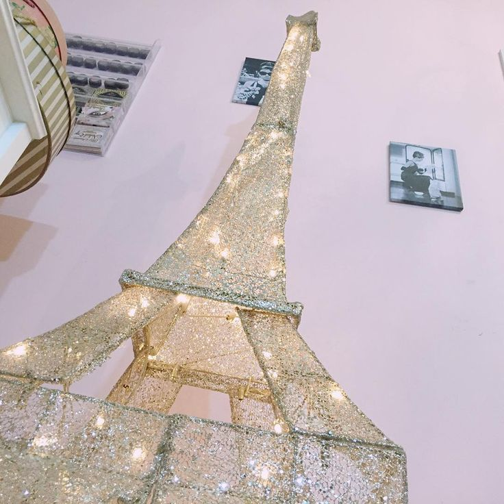 Best 25 eiffel tower lamp ideas on pinterest paris bedroom paris bedroom decor and paris - Eiffel tower decor for bedroom ...