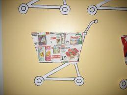 Ieder kind gaat wel eens mee een supermarkt in om boodschappen te doen. Daar wordt bepaald wat je gaat eten. Ook moet je daar kiezen uit wat je gaat kopen en waarom? Koop je zomaar alles of niet? Allemaal vragen waarop we tijdens dit thema antwoord proberen te vinden. Ontwerpschema Een ontwerpschema en groepsplan voor...  Lees meer »