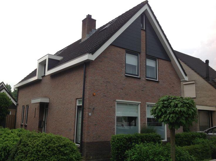 Bij een woning in Veenendaal mochten wij het schilderwerk buiten opknappen. Deze opdracht draaide om het schilderen van de buitenkant van het gehele huis inclusief de garage in de achtertuin.