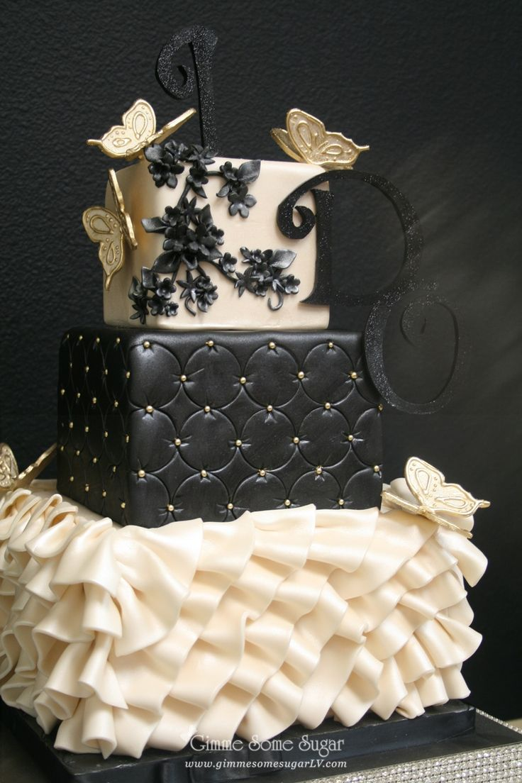 fancy black and ivory Wedding cake