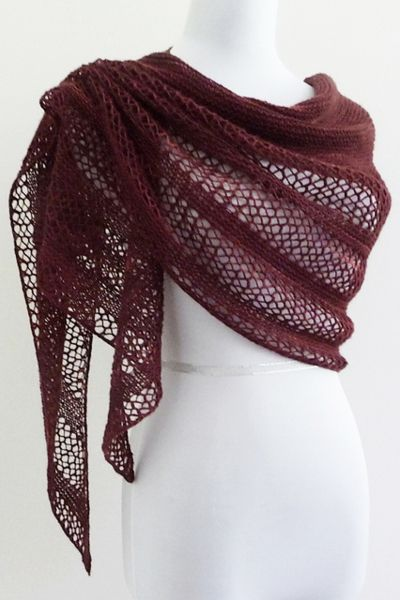 Ravelry: Interlude shawl with Manos del Uruguay Fino - knitting pattern by Janina Kallio.