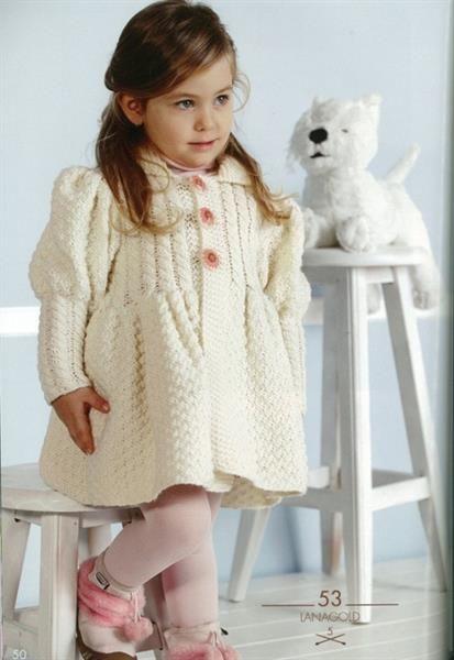 Вязаное спицами и крючком пальто для девочки 2 лет