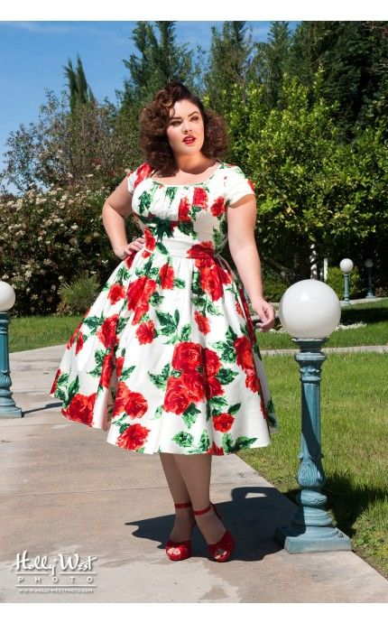 Pinup Couture- Evelyn Dress in Vintage Red Rose Floral with Bolero - Plus Size   Pinup Girl Clothing
