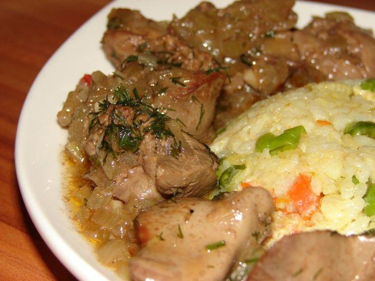 A csirkemáj szaftosan, hagymásan a legfinomabb! Vacsorára is tökéletes! Ha szeretnéd, hogy finom étel kerüljön az asztalra, ezt ki kell próbálnod! Hozzávalók: 50 dkg csirkemáj 1 nagy fej vöröshagyma 1 kisebb paprika 2 gerezd fokhagyma...