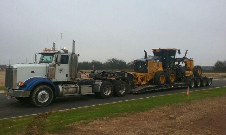 #kingtrucking #hauling #equipment  #heavyhaul #atx #peterbilt #komatsu #excavator #construction #bigiron #largecar #largecarmag #wheelloader #loader #kenworth #lowboy #volvo #siteprep #centraltexas #texas #johndeere #motorgrader