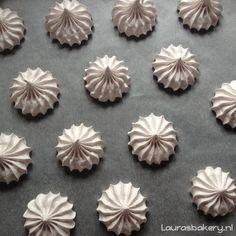 Er bestaan verschillende soorten meringue; Italiaanse, Zwitserse en Franse. In dit artikel alle verschillen en de recepten van deze soorten schuim.
