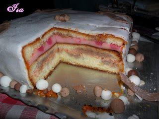 http://vaniliamamor.blogspot.ro/2011/09/elso-fondant-tortam-egyeb-elmaradasaim.html