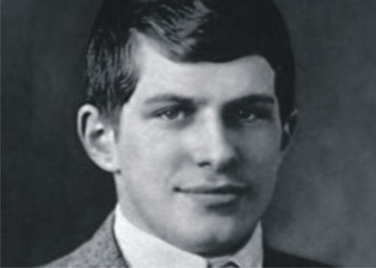 Вільям Джеймс Сідіс (William James Sidis; 1 квітня 1898 — 17 липня 1944) – син емігранта з України – найрозумніша людина на землі, що володіла найвищим рівнем IQ (від 250 до 300), який був зафіксований в історії людства. Це був дійсно вундеркінд, своєрідний геній з унікальними здібностями з математики та лінгвістики, поліглот. Завдяки батькам (Борис Сідіс, батько – один з провідних психологів та психіатрів США того часу; мати, Сара Сідіс, – медик за професією – залишила кар'єру заради…