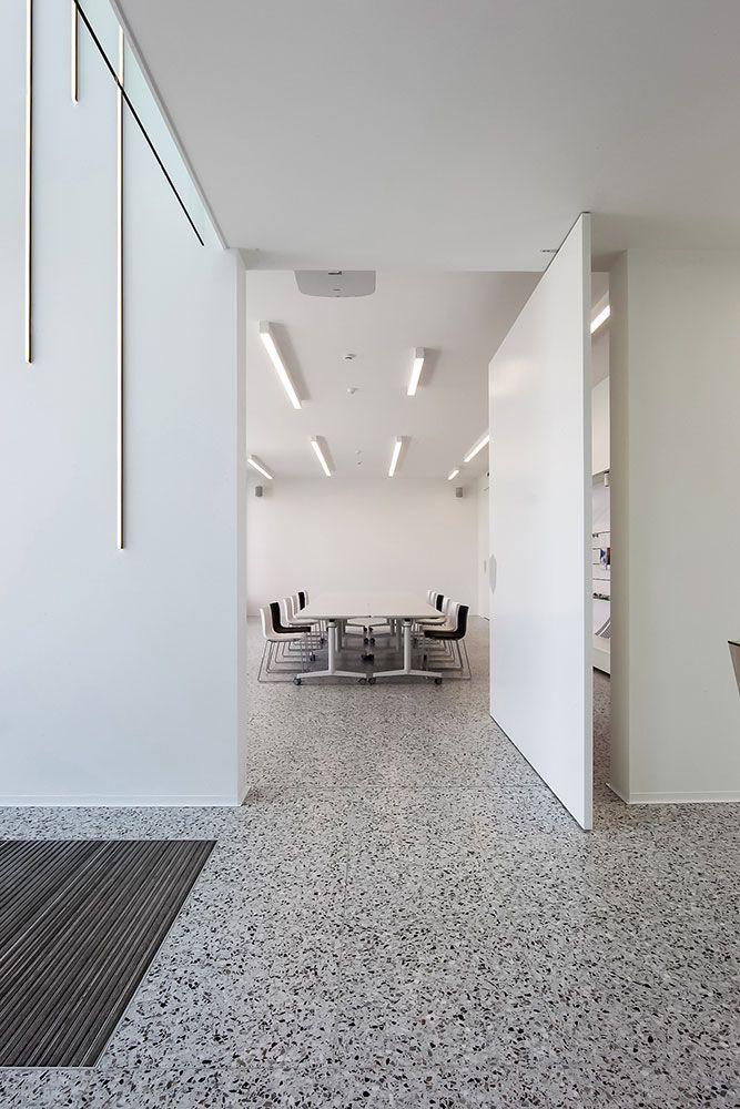 kantoorinrichting#kantoor#vloer ft Bomarbre's Grigio Venato