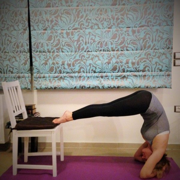Step-by-step tips and modifications to help you get up to your first head stand, from Lots of yoga.