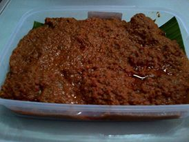 It is rendang's gravy, thick taste and some is spicy!