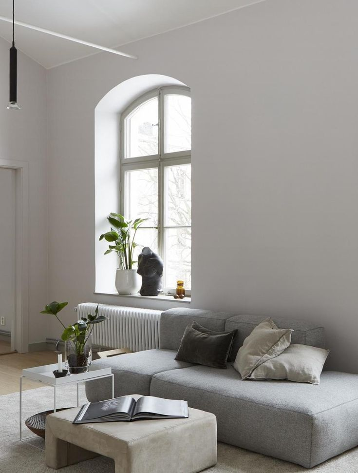 Spacious and stylish living space - via Coco Lapine Design blog