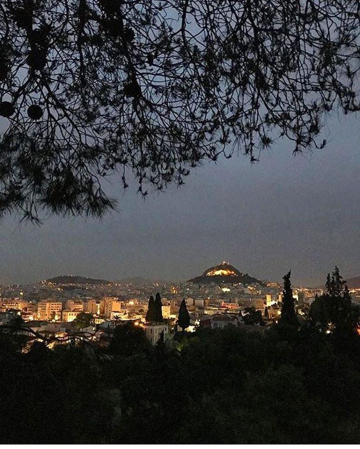 "4,728 Likes, 14 Comments - Athens Voice (@athensvoice) on Instagram: ""Που είσαι απόψε; στείλε μήνυμα.. Oh, where are you tonight? @gerasimoszervos"""