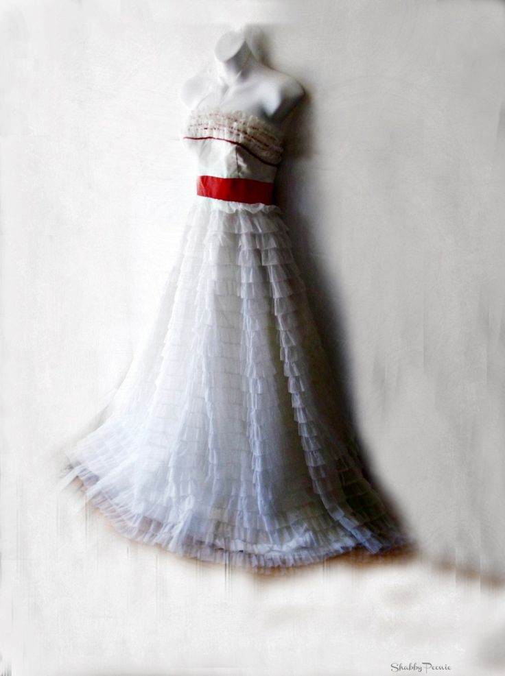 Alice in Wonderland. Little Bo Peep. Rag Doll Costume .Vintage Ballerine Cupcake Prom Dress. Stage Theatere. White Ruffled Formal 1960s by ShabbyPeonie on Etsy