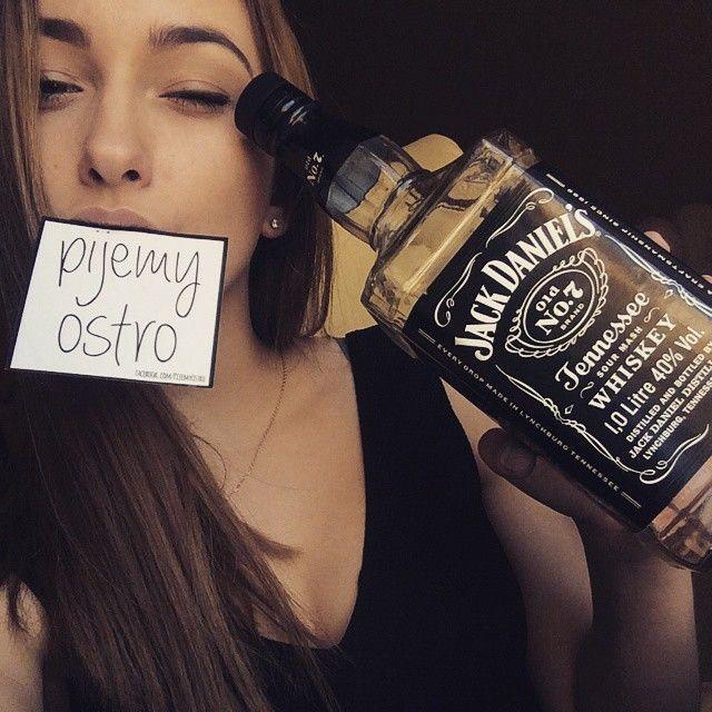 Piękne kobiety i Pijemy ostro whisky Jack Daniel's #pijemyostro