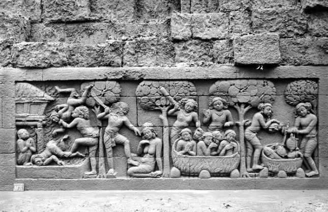 Relief Borobudur Temple by http://goo.gl/MKLPOL