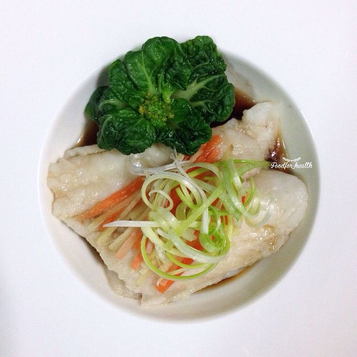 Steamed dory fish with soy sauce ปลาดอรี่นึ่งซีอิ๊ว