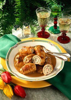 Unser beliebtes Rezept für Putenrouladen mit Kräuter-Frischkäsefüllung und mehr als 55.000 weitere kostenlose Rezepte auf LECKER.de.