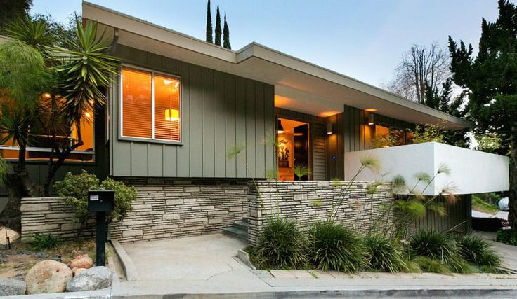 This renovated mid-century house in Beachwood Canyon, LA, showcases a smart contemporary renovation of an original mid-century design...click for more!