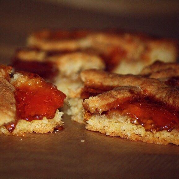 La torta della nonna. Granma cake. Photo @IlariaCeriani