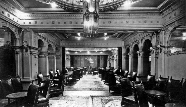 The lounge of the old Menzies Hotel in Melbourne,Victoria (year unknown).