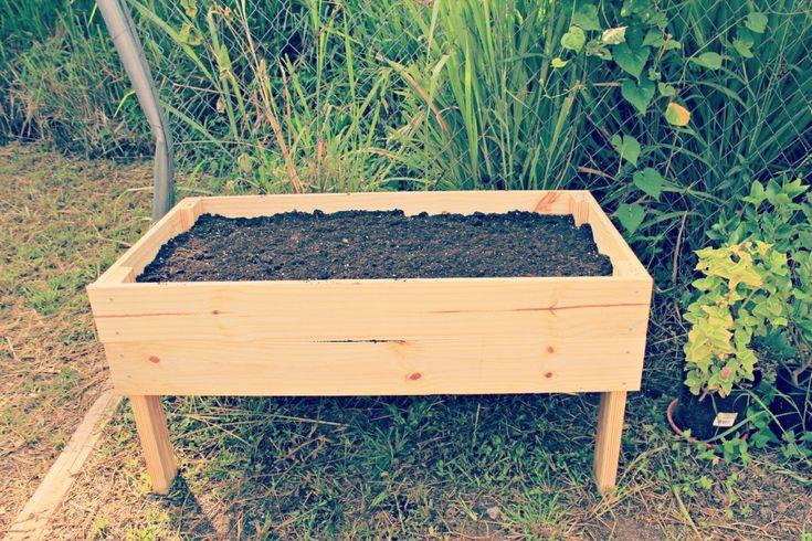 21 best images about handicap gardening on pinterest for Raised box garden designs