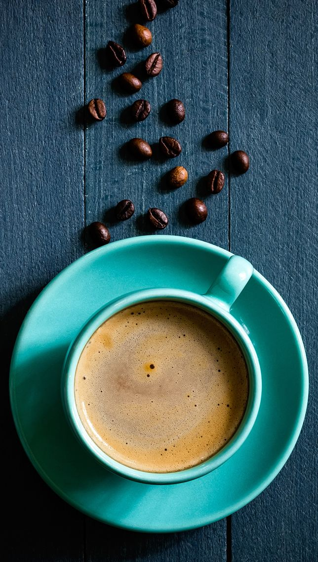 Iphone C Wallpaper Coffee Bean On Wooden Table Iphone 5s Wallpaper