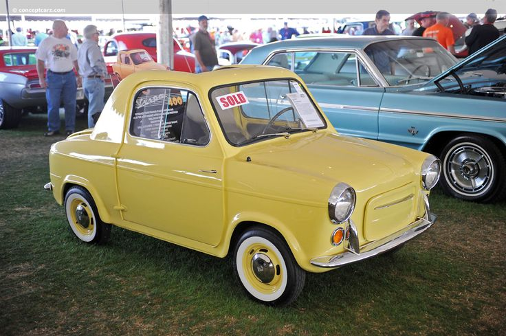 Photographs of the 1960 Vespa Convertible. An image gallery of the 1960 Vespa Vespa 400, Microcar, Miniature Cars, Weird Cars, City Car, Unique Cars, Small Cars, Vintage Cars, Vintage Vespa
