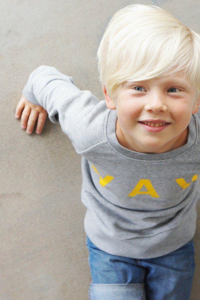 YAY sweater Crazy banana