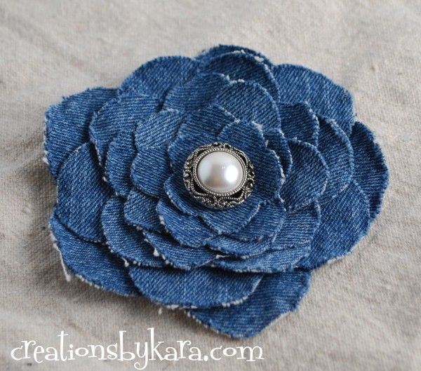 upcycled-denim-flower-tutorial ... http://www.creationsbykara.com/2010/05/denim-flower-tutorial.html