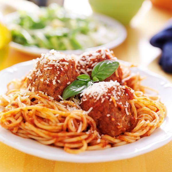 Simple Slow Cooker Recipe: Meatballs & Tomato Basil Sauce