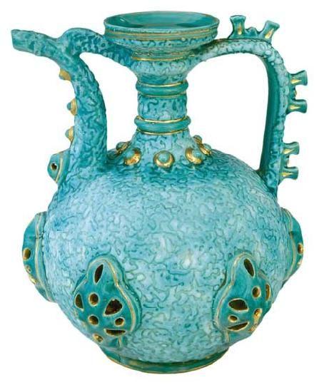 Zsolnay - Kancsó,1885 körül Fazonszám: 761, M: 23,5 cm Jelzés: masszába nyomott Zsolnay márkajelzés 2003/ká 150e