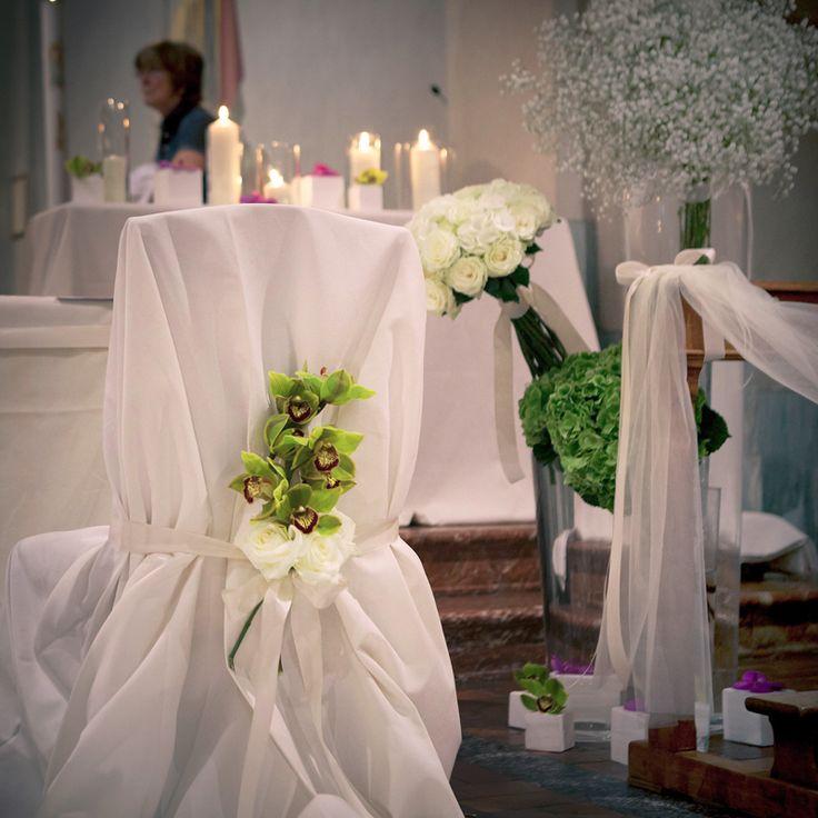 come decorare la chiesa con i fiori