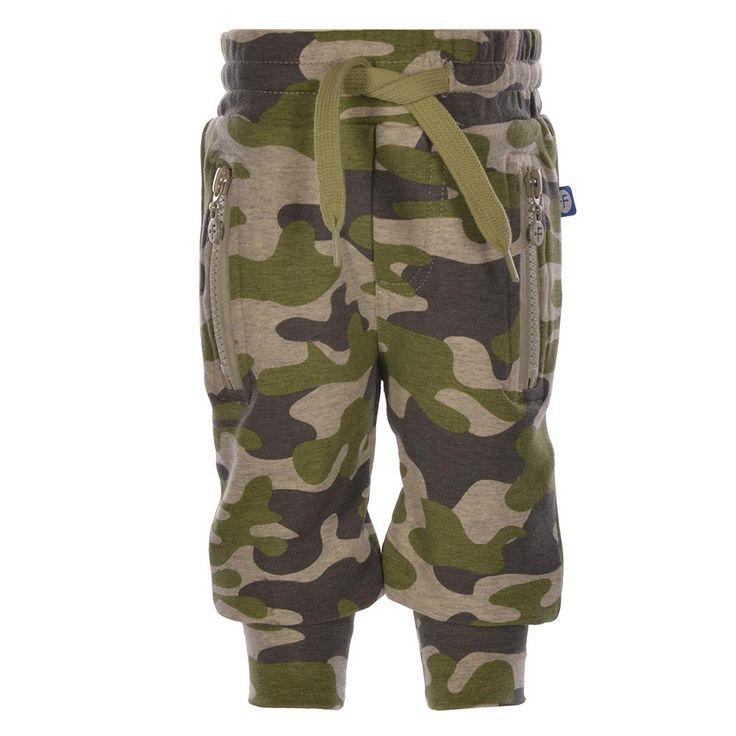 Sweatbroek/joggingbroek van Dress like Flo in een camouflage print | Olliewood