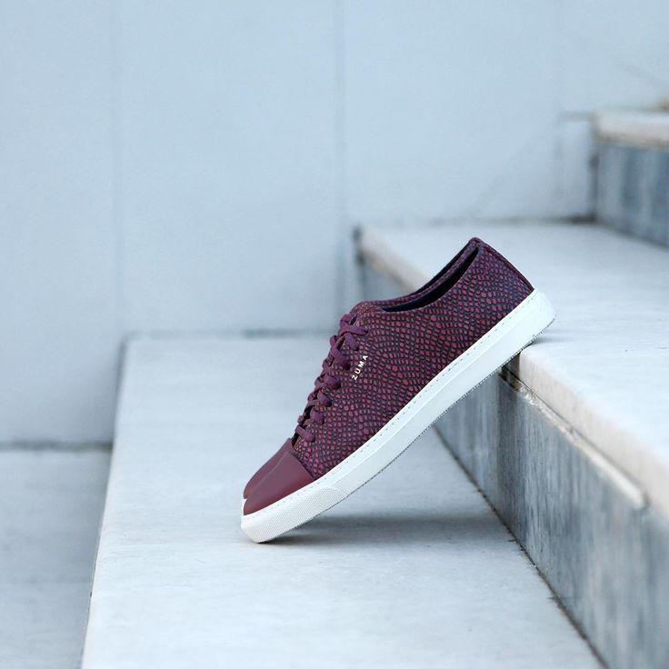 """Instagram'da Zuma Shoes: """"Trend çizgilere sahip, %100 deri ve el işçiliğiyle üretilen modellerimizle tanışmakta geç kalma! Zuma 119 Bordo Kabartmalı Deri, Burunlu Sneakers yakışır! Detaylı bilgi ve sipariş için; profildeki linke tıkla.➡️ @zumashoes ----------------------------- www.zumashoes.com ----------------------------- ✔️Whatsapp Sipariş : 0537 923 00 00 ----------------------------- #zumashoes #sneakers #ayakkabi #trend #moda #style #turkey #turkiye"""""""