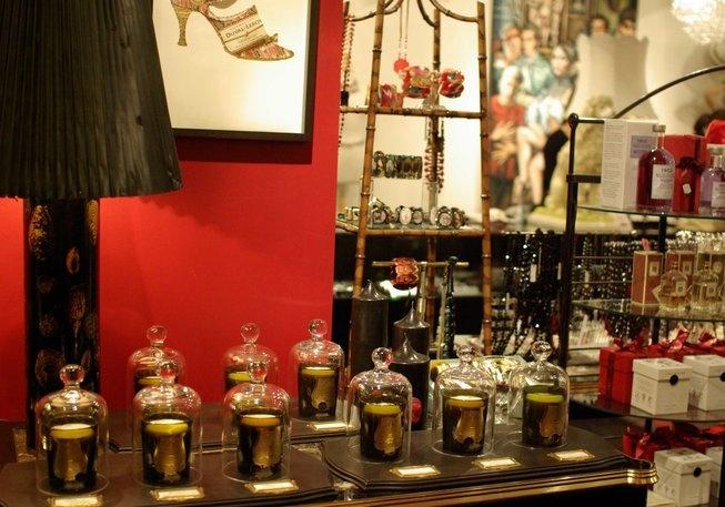 Shopping in Melbourne: Christine  -  Accessories    181 Flinders Lane  Melbourne    (03) 9654 2011