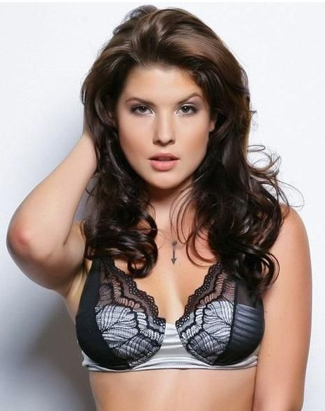 Amanda Cerny The Faces That Could Launch A Thousand