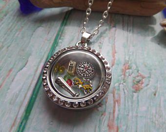 Stranger Things floating locket, stranger jewelery, tv fan gift, novelty gift, floating charms, glass locket, fandom gift, sandykissesuk