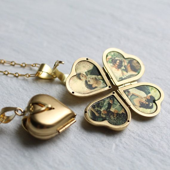 Folding Vintage Locket … Family Locket, Photo Album Pendant, Clover Necklace, Gifts for Family, Gift for Mothers, F&F