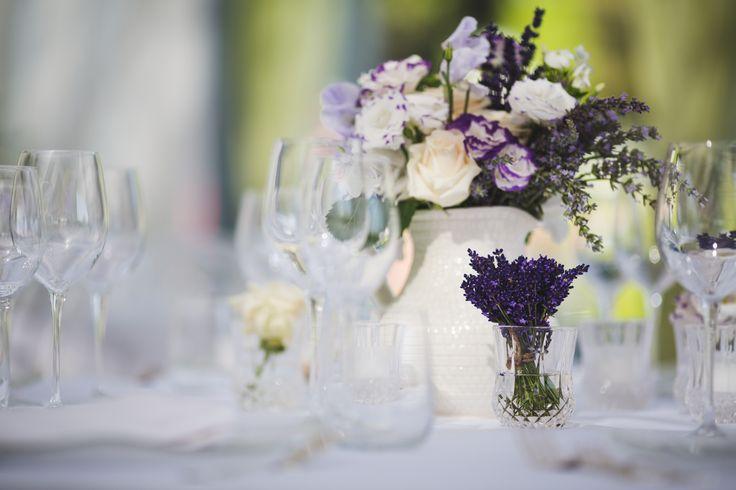 Fiori a centro tavola, allestimenti per matrimoni. #villalagorio #fiori #allestimento #nozze #matrimonio