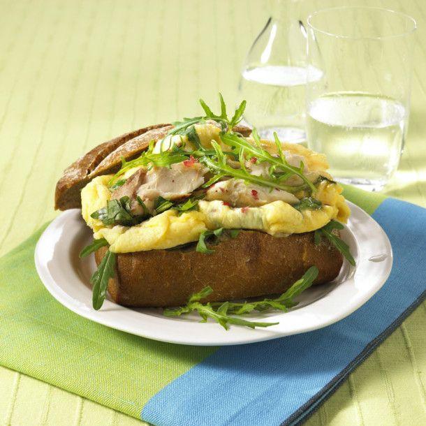 Unser beliebtes Rezept für Rührei-Brötchen mit Makrelenfilet (Diät) und mehr als 55.000 weitere kostenlose Rezepte auf LECKER.de.