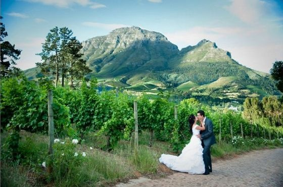 Clouds Estate - A wineland wedding venue with a real WOW factor. Clouds Estate has been renovated to a modern masterpiece!
