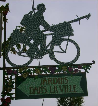 Argentan - Community gardens sign - Orne dept. - Basse Normanie région, France        ...www.ateliersineux.com