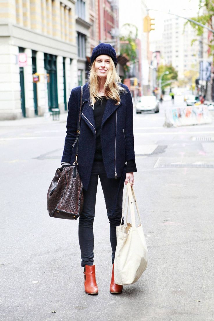 Monochromatic blue. Quiet quiet quieeeeeeet until the ankle #boots. How cute are those?! #fashion #streetstyle #chic
