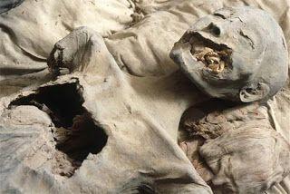 Lady Deathpoet: Nefertiti y Tutankamón: Asuntos de Familia Primera...
