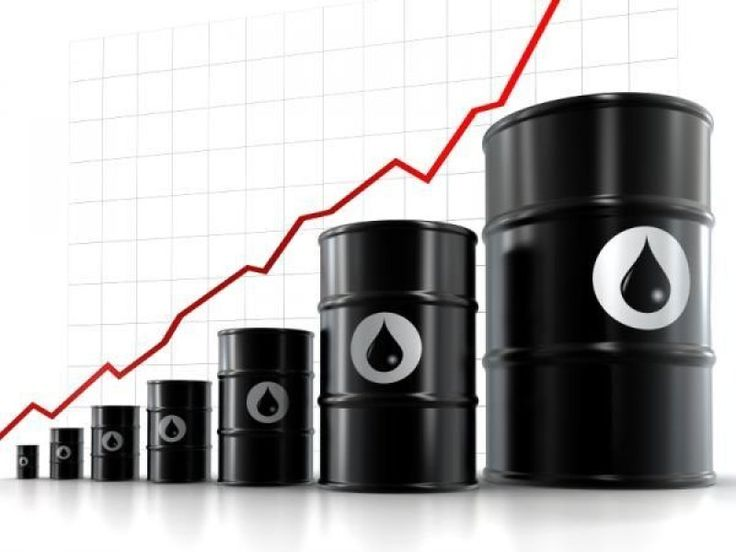 Oil Price Predictions The EIA expects oil prices to reach well over USD 100 per barrel by 2035, USD 125 per barrel for a reference scenario – non-OECD liquids consumption is around 25 million barrels per day higher in 2035 than in 2009 and OECD consumption grows by less than 3 million barrels per day. Oil prices are expected to range from USD 50 per barrel for a low oil price scenario to USD 125 per barrel for a high oil price scenario.