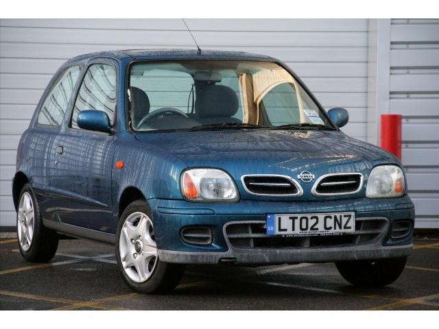Whilst owning the Vectra I bought this Nissan Micra for Deb to run around in.