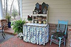 macetas banco, flores, jardinería, muebles pintados, Usado una mesa de esmalte de la vendimia y un banco para los estantes